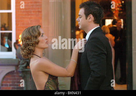 STRAIGHTHEADS (2007) GILLIAN ANDERSON, DANNY DYER SHED 001-01 - Stock Photo
