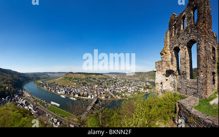 panoramic view of Traben-Trarbach on the Mosel river and the ruins of Grevenburg castle - Stock Photo