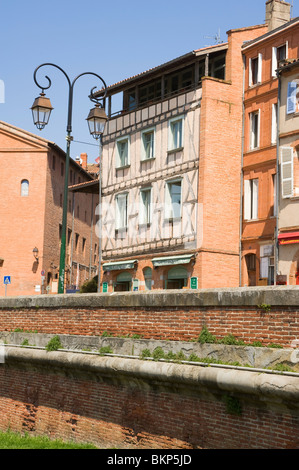 Cafe Des Artistes Place De La Daurade Bar Cafe and Restaurant in Toulouse Haute-Garonne Midi-Pyrenees France - Stock Photo
