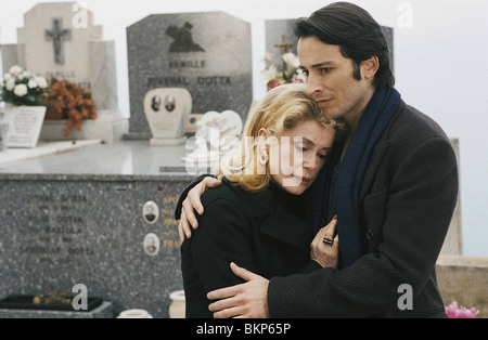 LE HEROS DE LA FAMILLE (2006) FAMILY HERO (ALT) CATHERINE DENEUVE LHDF 001-03 - Stock Photo