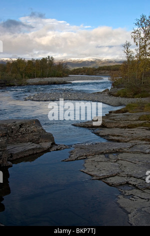 Foto van de Abisko rivier in Noordelijk lapland; Photo of the Abisko rivier in northern lapland - Stock Photo