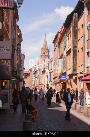 The Narrow Busy Rue du Taur in the Centre of Toulouse Haute-Garonne Midi-Pyrenees France - Stock Photo
