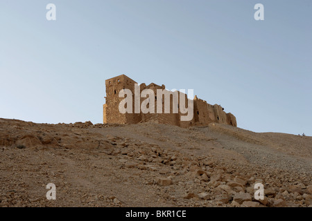 Qala'at ibn Maan, Arab citadel built 12th century and restored 17th century, Palmyra, Syria. - Stock Photo