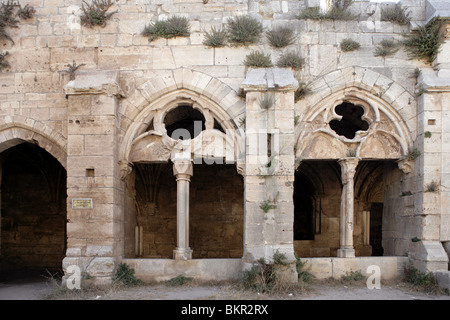 Arches of the Gothic cloister and Chevaliers' Room, 13th century, Krak des Chevaliers, Qala'at al-Husn, Homs Gap, - Stock Photo