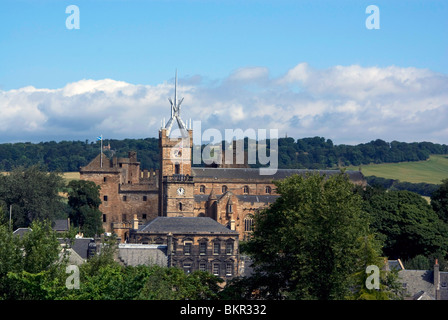 View of Linlithgow Palace and St Michael's Kirk, West Lothian, Scotland - Stock Photo