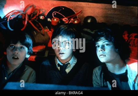 EXPLORERS (1985) ETHAN HAWKE, JASON PRESSON, RIVER PHOENIX JOE DANTE (DIR) 006 - Stock Photo