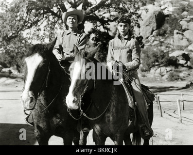 JOHNNY CONCHO (1956) FRANK SINATRA, PHYLLIS KIRK DON MCGUIRE (DIR) JCON 003P - Stock Photo
