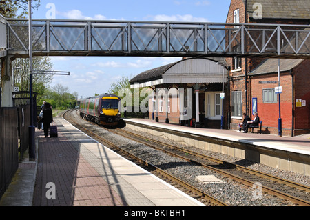 Arriva Cross Country train arriving at Hinckley station, Leicestershire, England, UK - Stock Photo