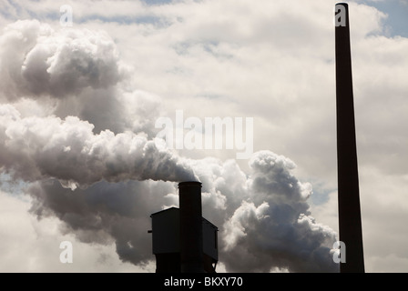 Emissions from the Bluescope steel works at Port Kembla, Wollongong, Australia. - Stock Photo