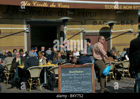 Nice, France, French Cafe, French Bistro Restaurant, Sidewalk Crowded terrace on Bar Tabac, 'La Civette du Cours' - Stock Photo
