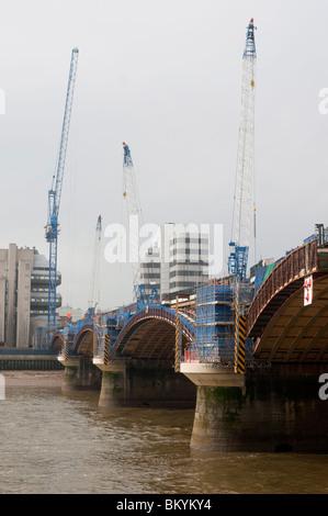 Blackfriars Railway Bridge rebuild to accommodate platforms at Blackfriars Station, London, Britain - 2010 - Stock Photo