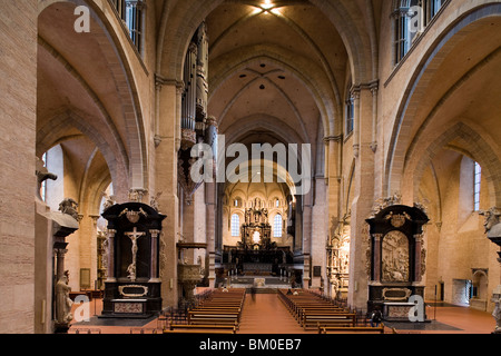 Altar in Trier cathedral, Cathedral of St. Peter, UNESCO world cultural heritage, Trier, Rhineland-Palatinate, Germany, - Stock Photo