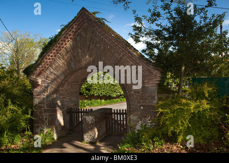 UK, Herefordshire, Kempley, 1904 Arts and Crafts Church of St Edward the Confessor stone lych gate - Stock Photo