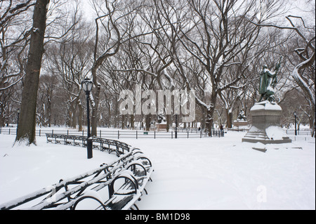 Early morning in Central Park after a fresh snowfall, New York City, New York State, United States of America, North - Stock Photo