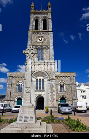 St Pauls' Church and war memorial, Honiton, Devon - Stock Photo