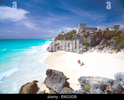 Mayan ruins overlooking the Caribbean Sea and beach at Tulum, Quintana Roo State, Yucatan Peninsula, Mexico, North - Stock Photo