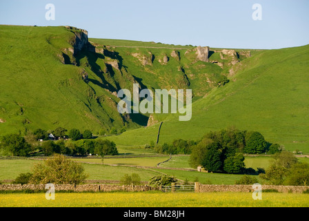 Winnats Pass, Ice Age meltwater gorge cut into reef limestone, Castleton, Peak District National Park, Derbyshire, - Stock Photo