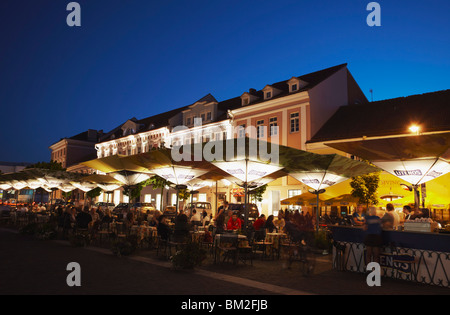 Outdoor cafes in Town Hall Square, Vilnius, Lithuania, Baltic States - Stock Photo