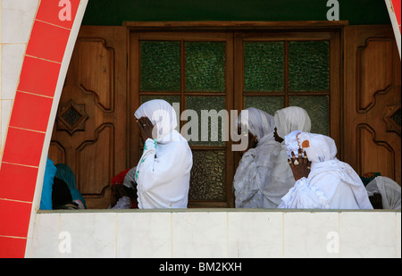 Friday prayers at the Divinity Mosque, Dakar, Senegal - Stock Photo