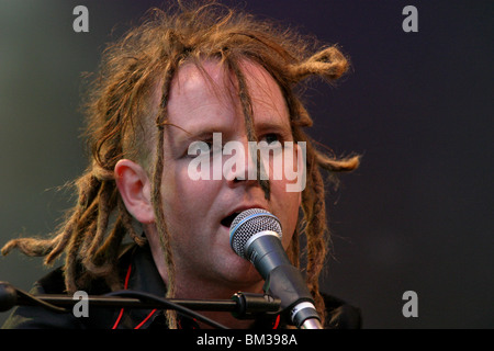 northern ireland singer duke special in concert at Tennents Vital Belfast August 23rd 2006 - Stock Photo
