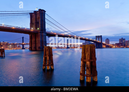 USA, New York City, Manhattan, The Brooklyn and Manhattan Bridges spanning the East river - Stock Photo
