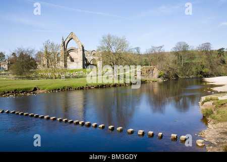 'Bolton Abbey' with steppingstones across the river Wharfe. - Stock Photo