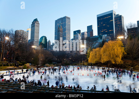 United States of America, New York, New York City, Manhattan, Wollman Ice rink in Central Park - Stock Photo