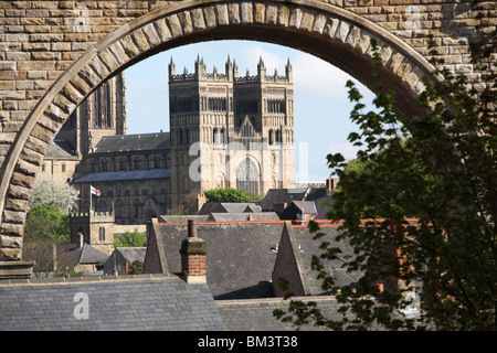 Durham cathedral seen through an arch of Durham's railway viaduct, City of Durham, England, UK - Stock Photo
