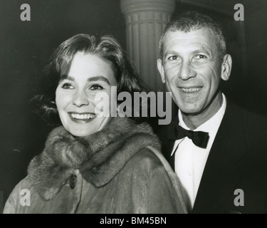 JEAN SIMMONS - Uk film actress with her second husband Richard Brooks - Stock Photo
