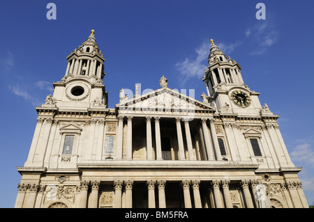 West Facade, St Paul's Cathedral, London Stock Photo ...