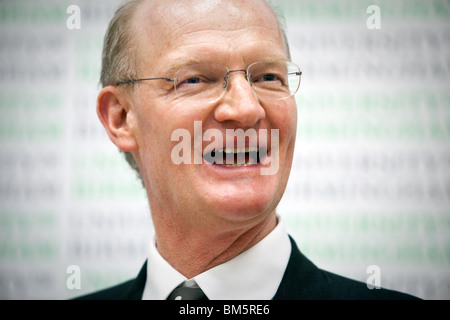 David Willetts MP, minister for science and universities makes his first keynot speach at Univeristy of Birmingham - Stock Photo