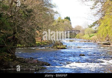 River Isla downstream of the Bridge of Craigisla, Angus, Scotland, United Kingdom. - Stock Photo