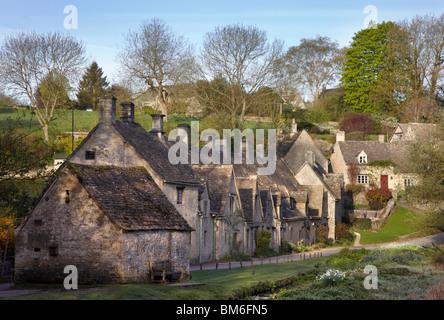 Arlington Row in the village of Bibury, Gloucestershire, England. - Stock Photo