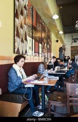 Manhattan Chinatown Internet Cafe