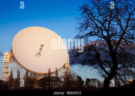 Jodrell Bank radio telescope in Cheshire UK - Stock Photo