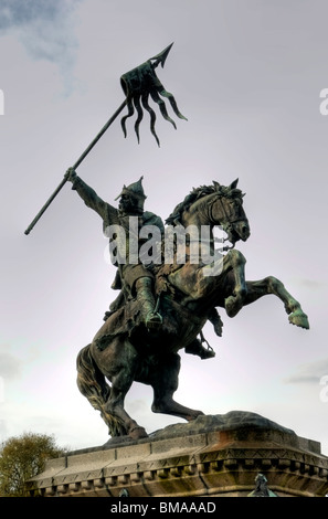 Statue of William the Conqueror in front of the Chateau at Falaise in the Calvados (14) departement of France - Stock Photo