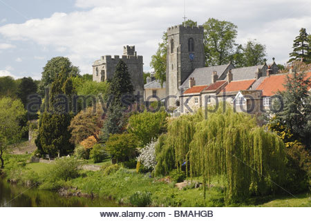 West Tanfield  Wensleydale North Yorkshire England Marmion Tower and church. - Stock Photo