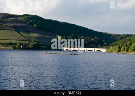 view of ladybower ashopton viaduct bridge a57 snake pass road lady bower reservoir peak district derbyshire - Stock Photo