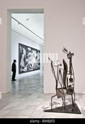 Works by Pablo Picasso, the sculpture 'woman in the garden' and 'Guernica'. in the Centro de Arte Reina Sofia, Madrid, - Stock Photo