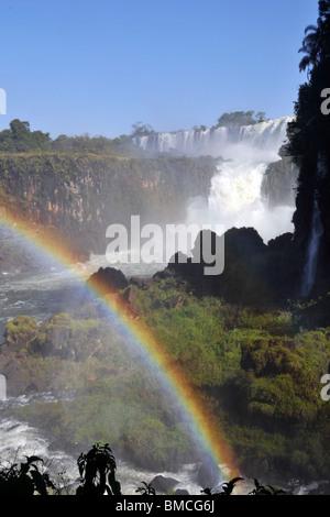 Salto San Martin and rainbow, Iguassu falls, Iguazu national park, Puerto Iguazu, Argentina