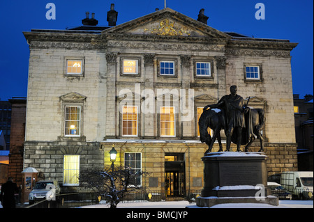 Dundas House, former Headquarters of the Royal Bank of Scotland, Edinburgh, Scotland, UK, at dusk, in winter - Stock Photo