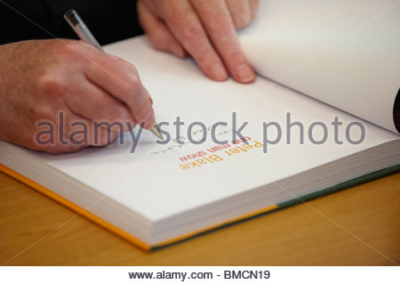Peter Blake,artist and The Godfather of British Pop Art signing books at Christchurch College at The Oxford Literary - Stock Photo