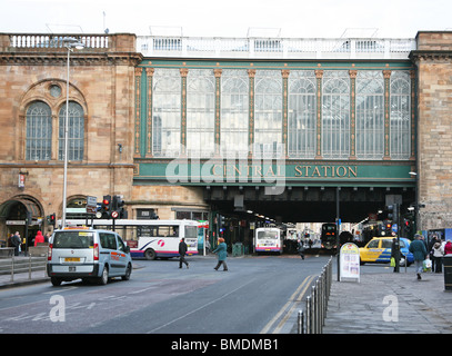 Glasgow Central rail Station facade, Argyle Street, Glasgow, Scotland, UK - Stock Photo