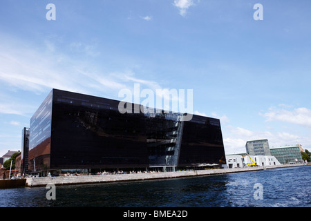 View of the building ? The Black Diamond? beside lake - Stock Photo