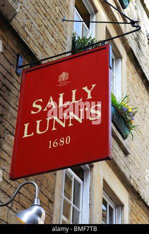 the sign above ' Sally Lunns ' tea rooms in Bath, UK - Stock Photo