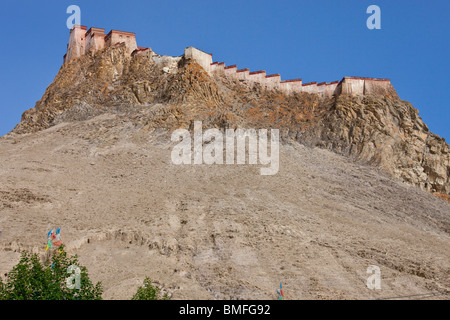 Gyantse Dzong or Fortress in Gyantse, Tibet - Stock Photo