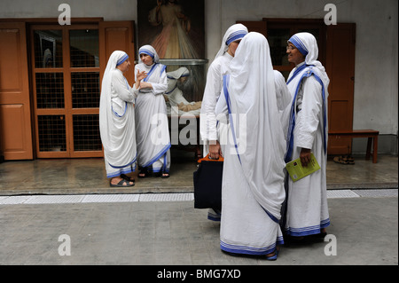 India Kolkata Calcutta, sisters of charity at Mother ´s Teresa house - Stock Photo