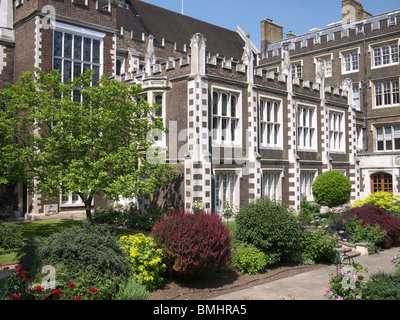 Middle Temple Hall and Middle Temple Gardens London uk - Stock Photo