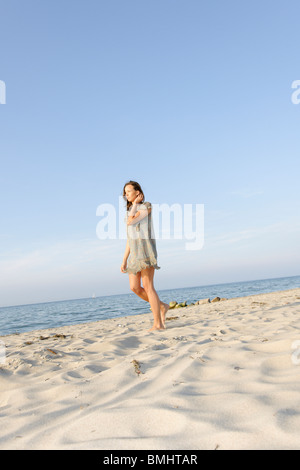 Young woman, 20+, on a beach, fun, lifestyle, pleasure, ease, Niendorf on the Baltic Sea, Schleswig-Holstein, Germany, Europe