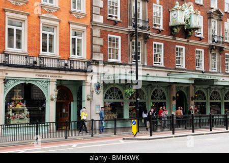 Fortnum and Mason food shop, Picadilly, london, England, UK - Stock Photo